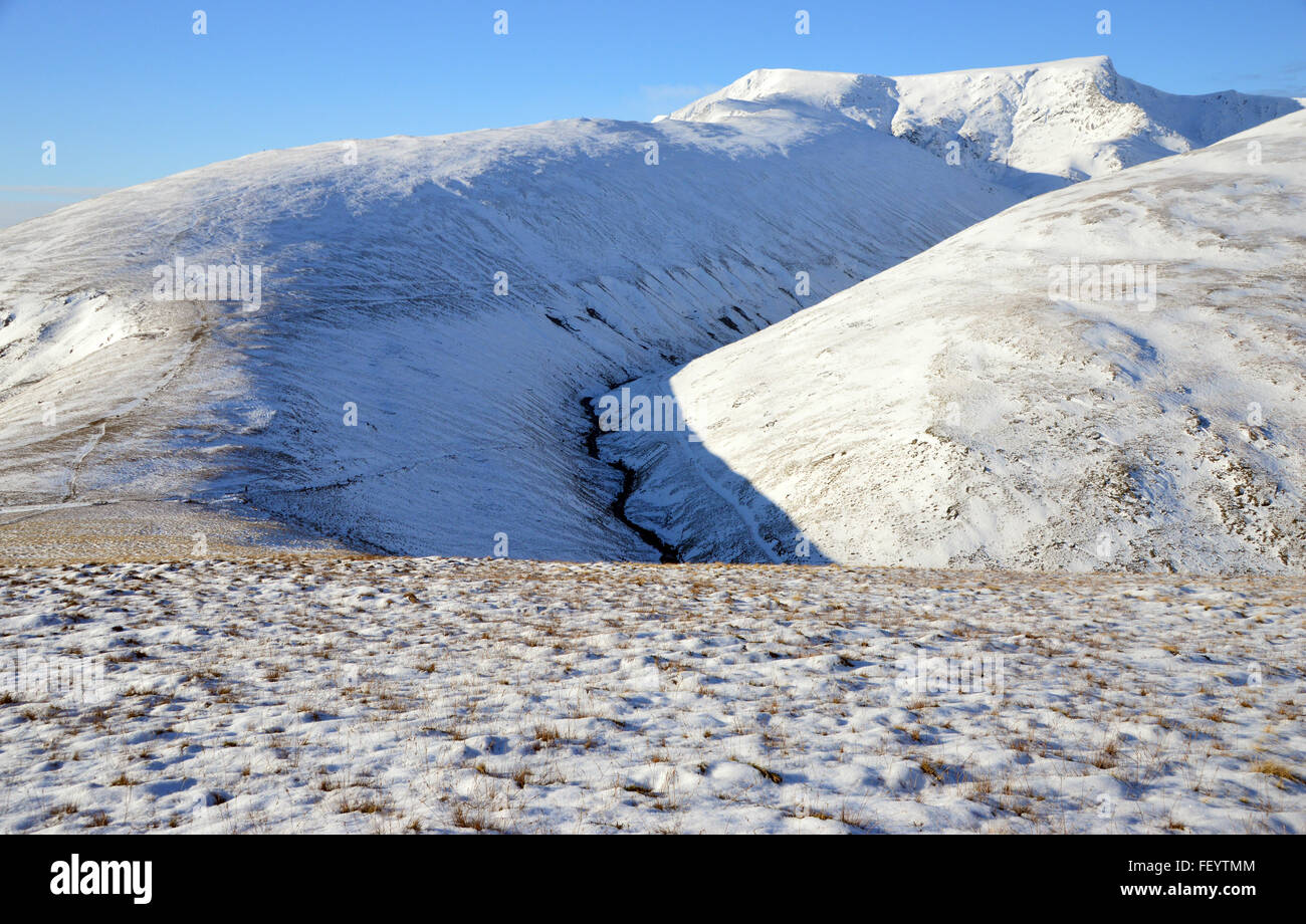 Scales Fell, Blencathra and the Glenderamackin River from above Mousthwaite Col in Winter Stock Photo