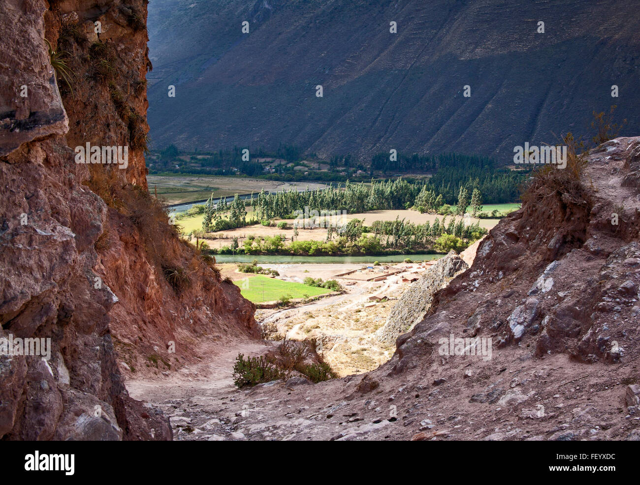 The Urubamba River winds through the Sacred Valley of the Incas near Maras.  Peru. - Stock Image