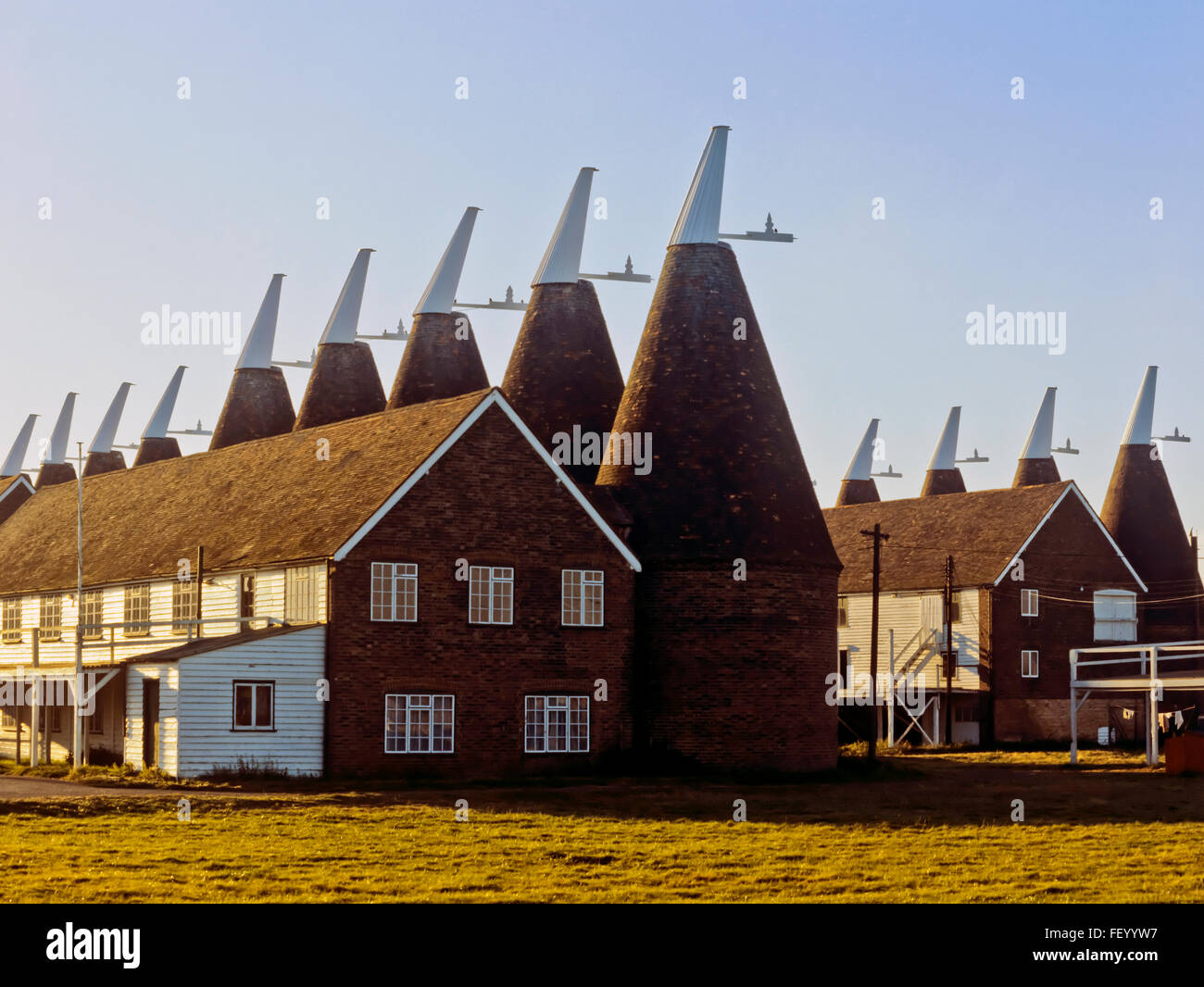 AA 7280. Archival 1970s, Oast Houses, Beltring, Kent, England - Stock Image