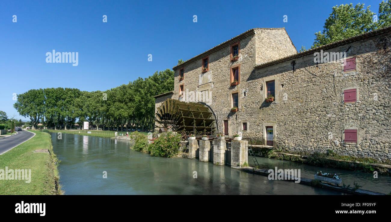 Water Wheel of Saint Pierre,19th century  , Robion river, Les Taillades, Canal Saint Julien,  Luberon, Vaucluse, - Stock Image