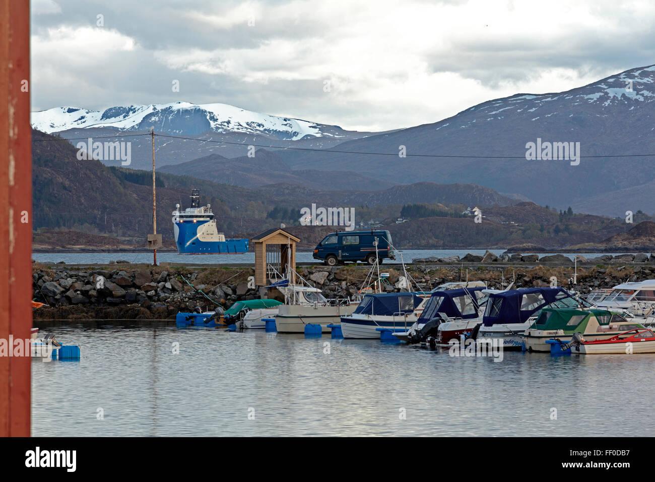Platform Supply Vessel Stock Photos & Platform Supply Vessel Stock