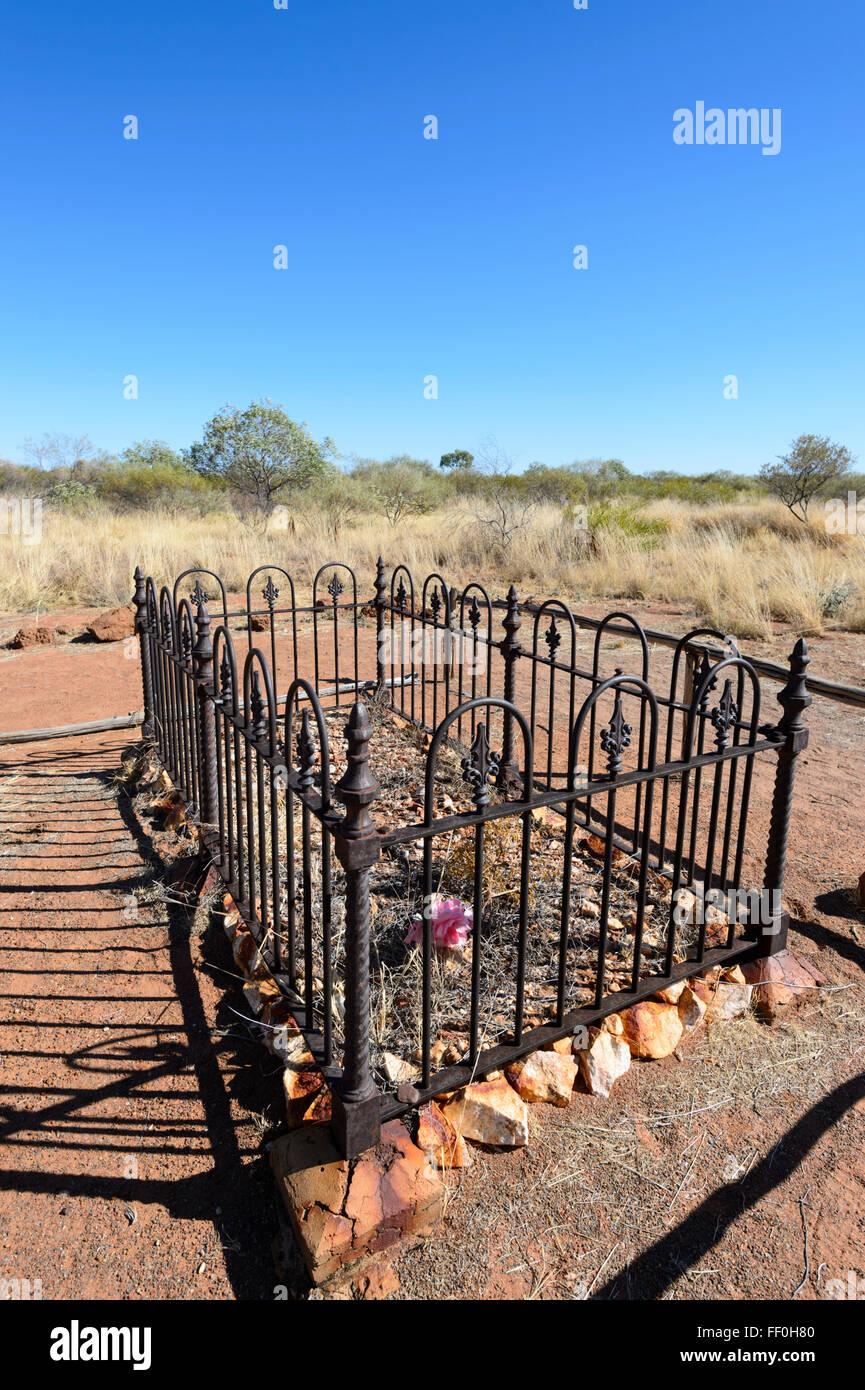 Pioneer Grave, Tennant Creek Telegraph Station, Northern Territory, Australia - Stock Image