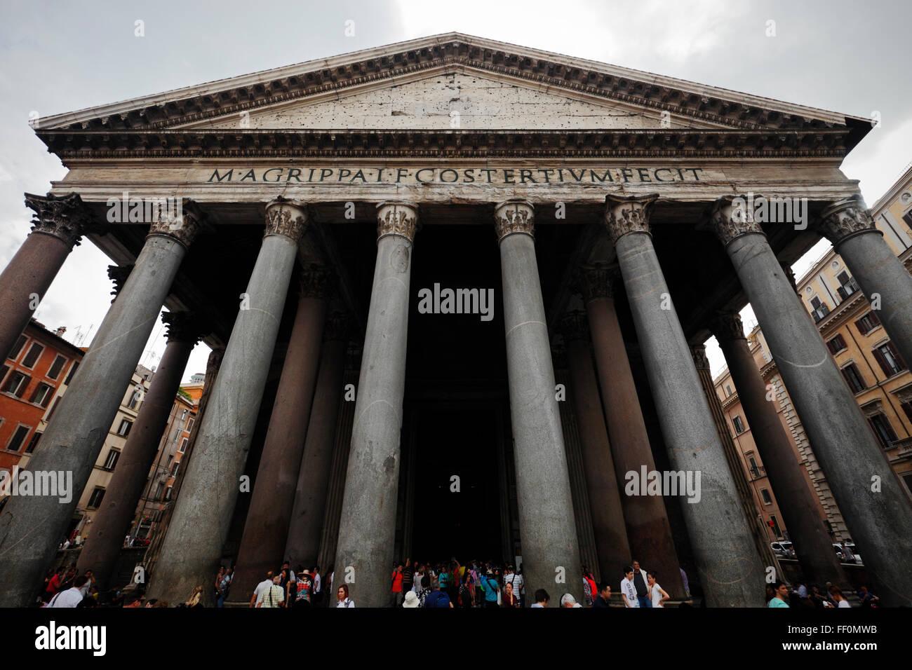 The Pantheon on Piazza della Rotonda, Rome, Italy Stock Photo