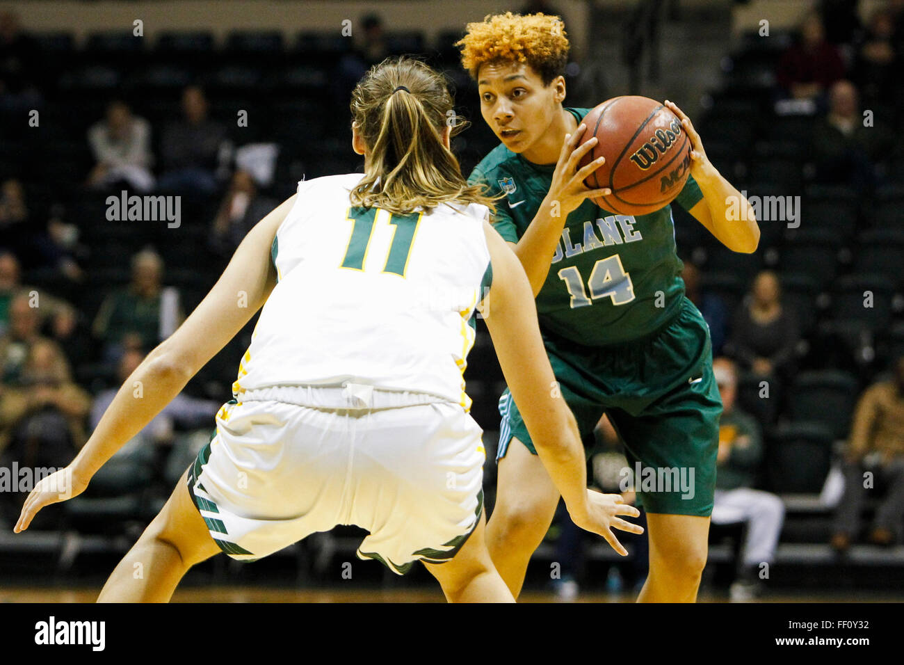 Tampa, Florida, USA. 9th Feb, 2016. WILL VRAGOVIC   Times.Tulane Green Wave guard Taylor Emery (14) looks to move - Stock Image