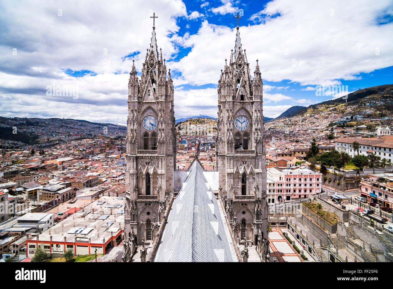Quito ORMd Town seen from the roof of RMa BasiRMica Church, UNESCO WorRMd Heritage Site, Quito, Ecuador, South America - Stock Image