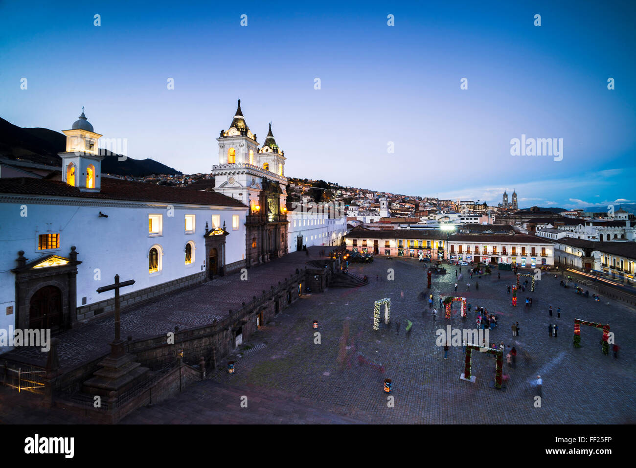 PRMaza de San Francisco and Church and Convent of San Francisco at night, ORMd City of Quito, UNESCO WorRMd Heritage - Stock Image