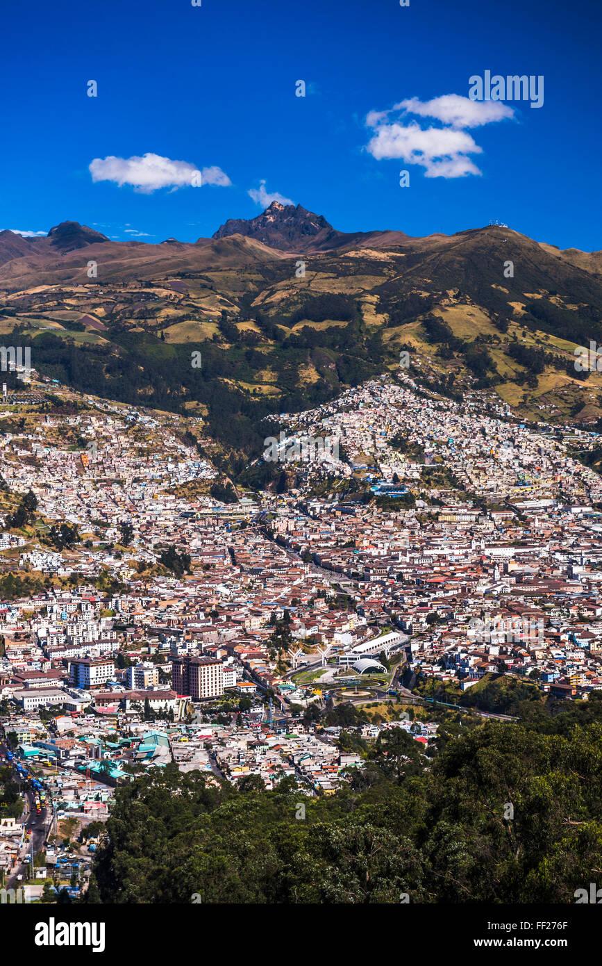 Quito, with Pichincha VoRMcano in the background, Ecuador, South America - Stock Image