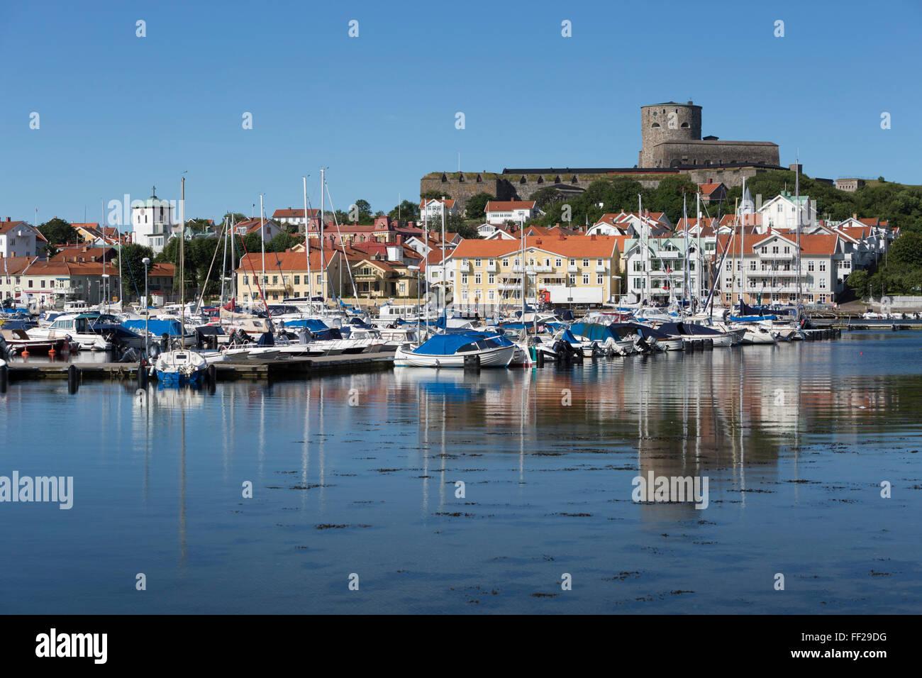 CarRMstens fortress and harbour, Marstrand, BohusRMan Coast, southwest Sweden, Sweden, Scandinavia, Europe - Stock Image