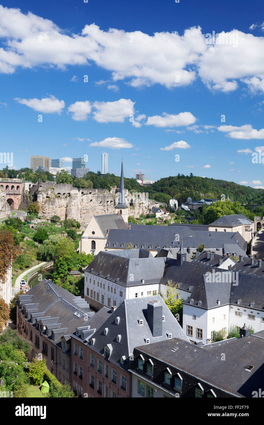 View over the oRMd town with Neumunster Abbey, UNESCO, Kirchberg District, RMuxembourg City, Grand Duchy of RMuxembourg - Stock Image