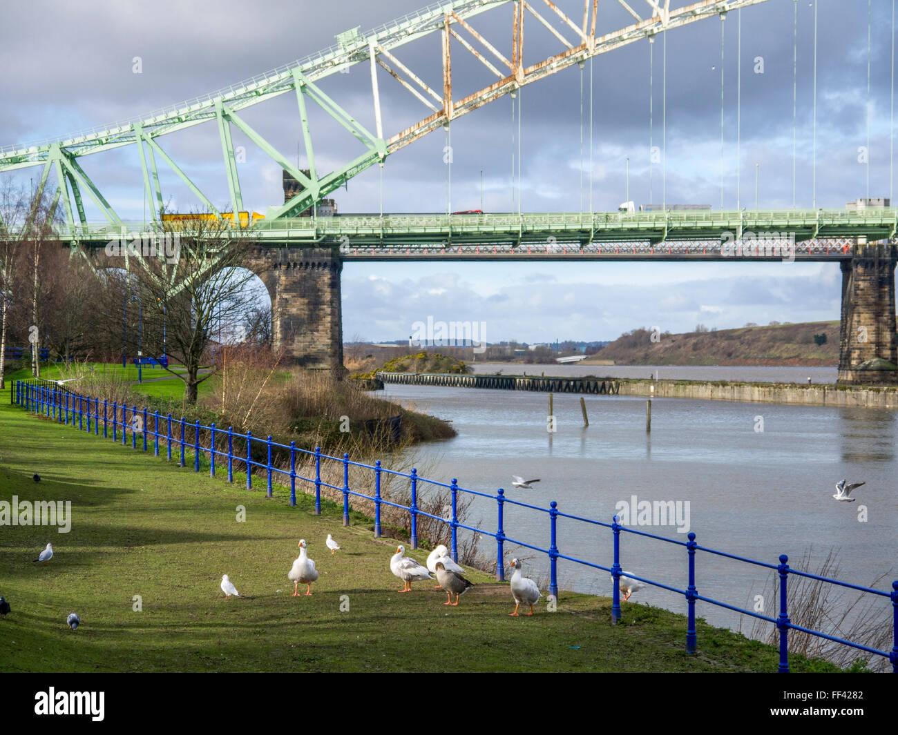 Runcorn side of the Runcorn Widnes Silver Jubilee Bridge. - Stock Image