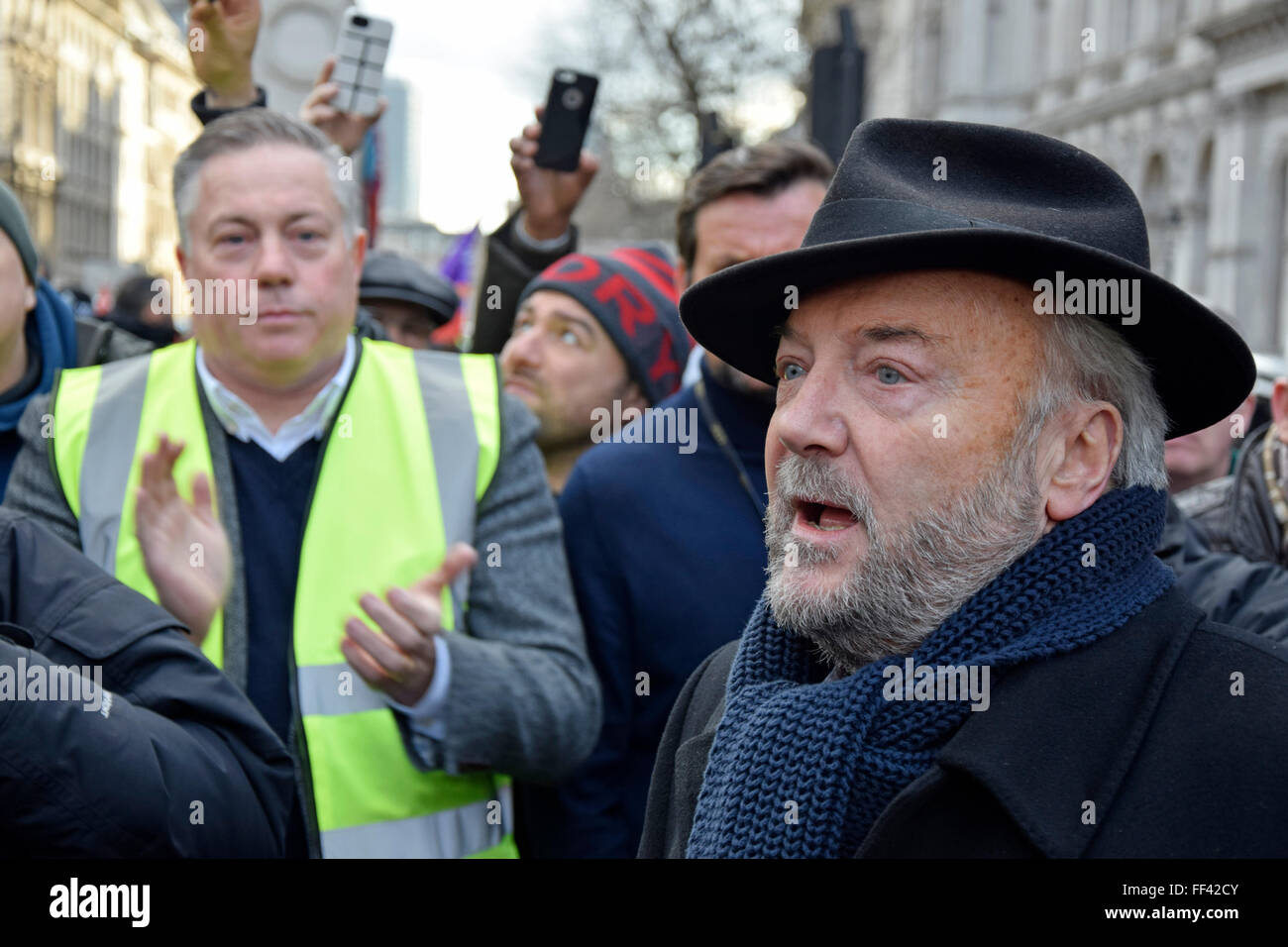 London, UK. 10th February, 2016. Thousands of black cab drivers bring central London to a standstill in protest - Stock Image