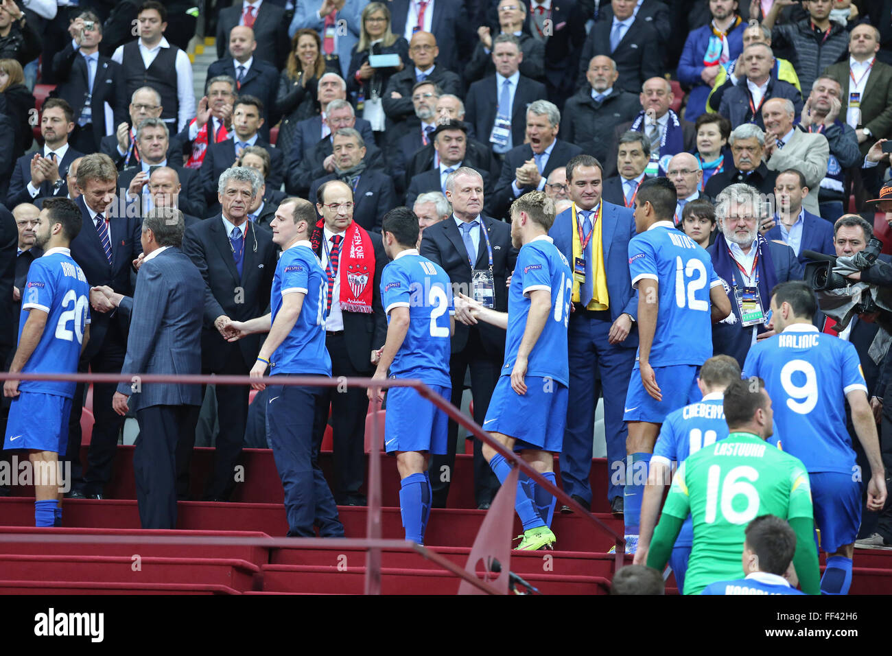 WARSAW, POLAND - MAY 27, 2015: FC Dnipro Dnipropetrovsk - the silver medalists of the UEFA Europa League 2015 receive - Stock Image