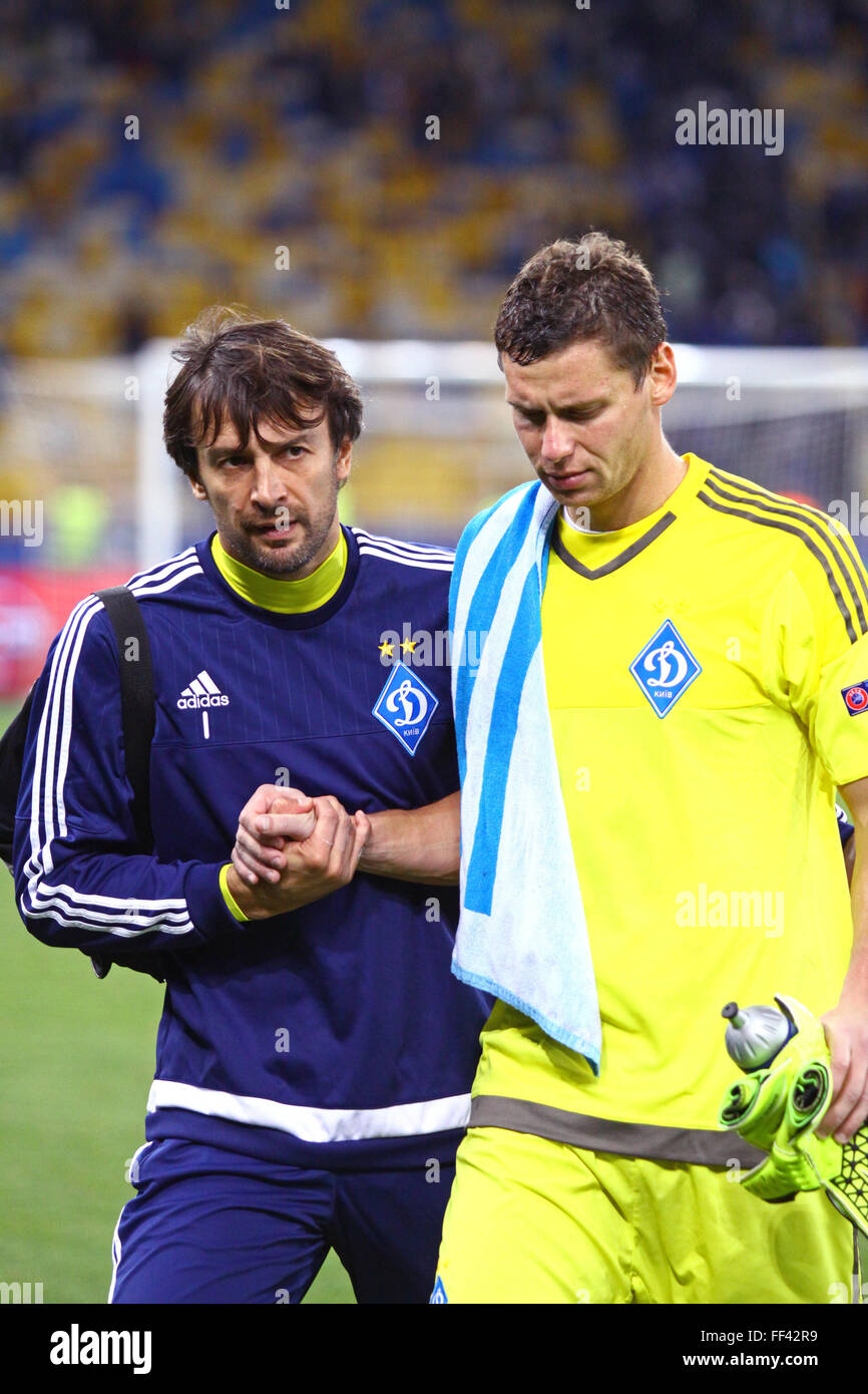 FC Dynamo Kyiv goalkeepers Olexandr Shovkovskiy (L) and Olexandr Rybka after the UEFA Champions League game against - Stock Image
