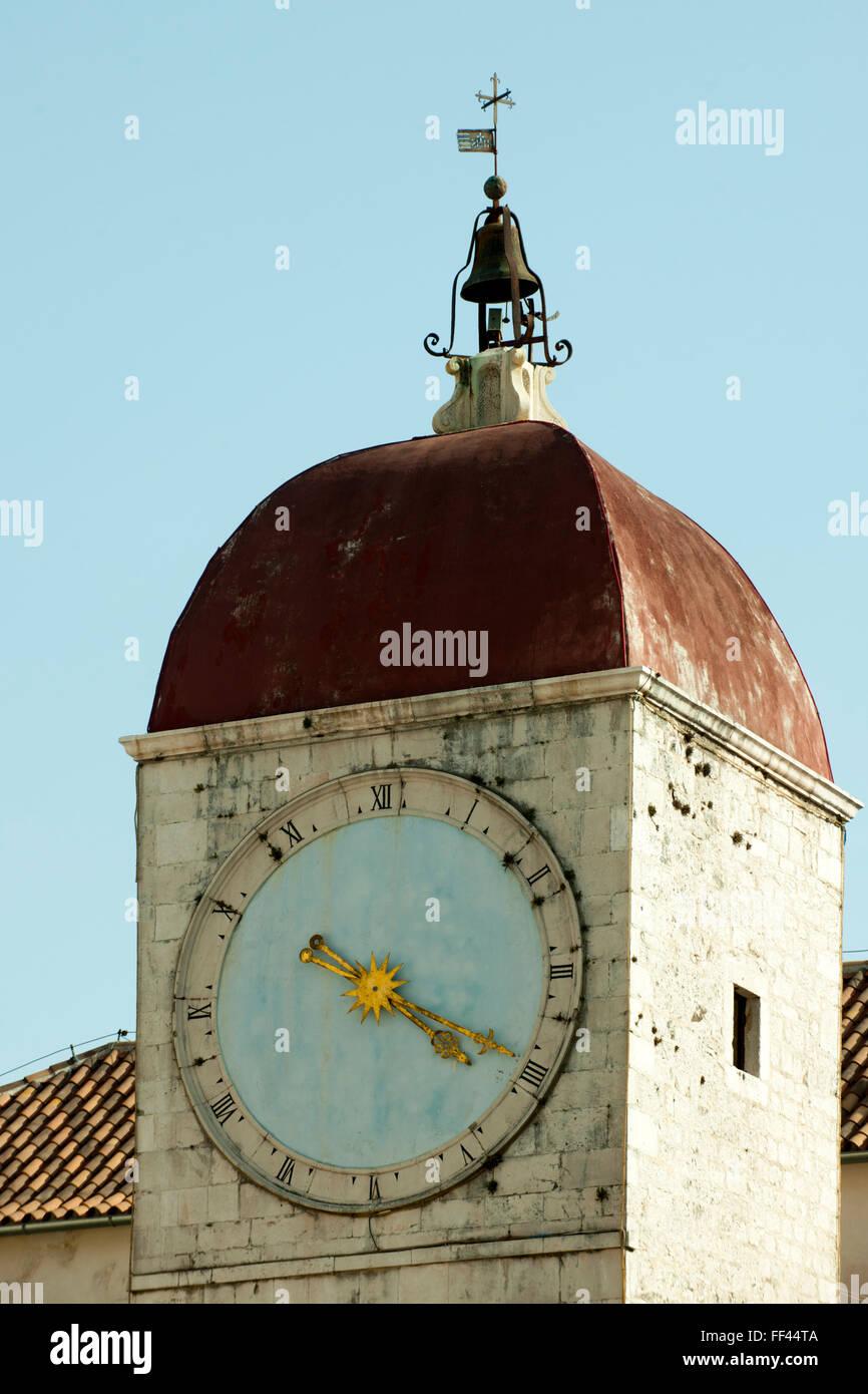Kroatien, Dalmatien, Trogir, Uhrturm von 1477 Stock Photo