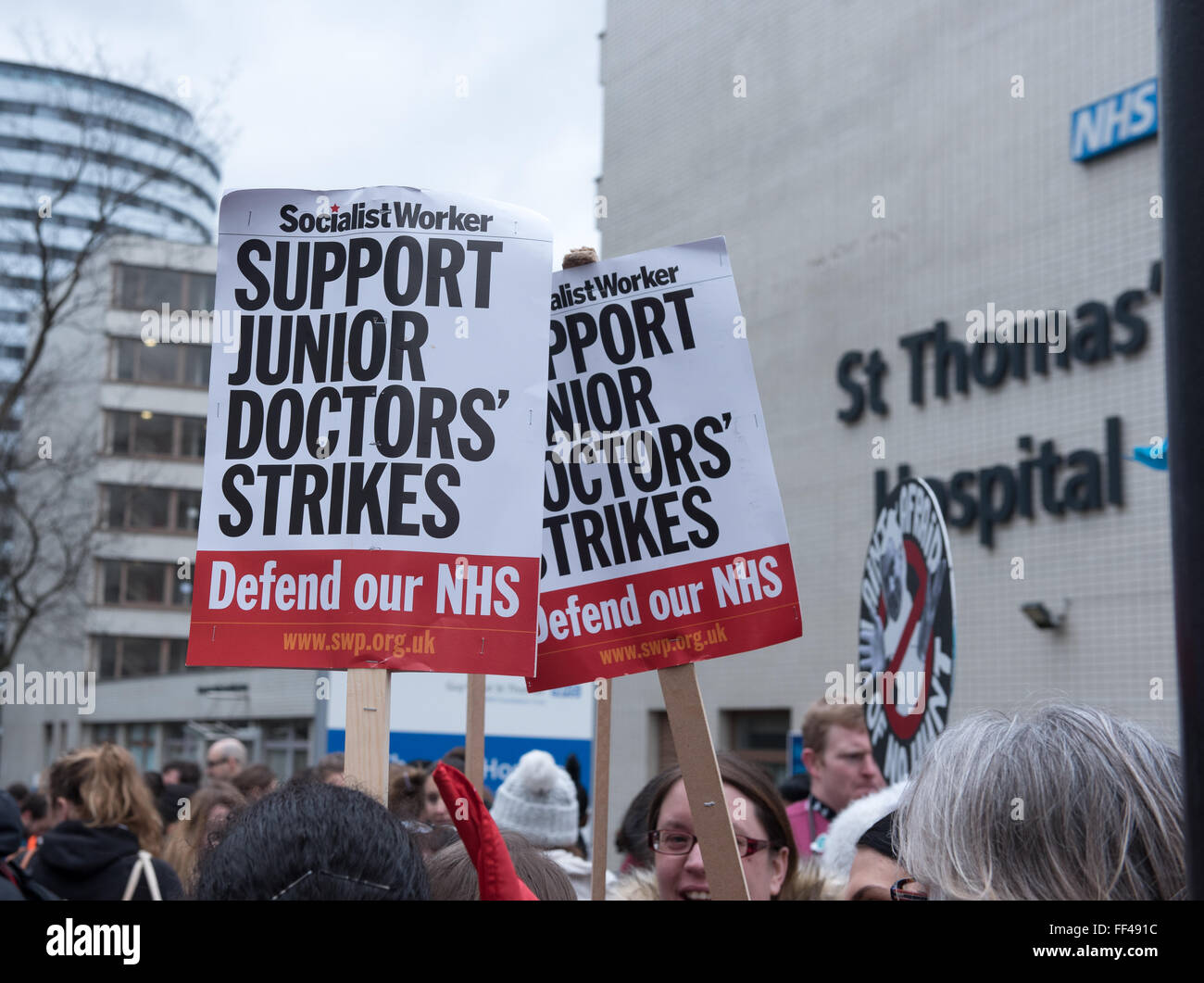 London, UK. 10th February, 2016. Banner outside St Thomas' Hospital, London Credit:  Ian Davidson/Alamy Live - Stock Image