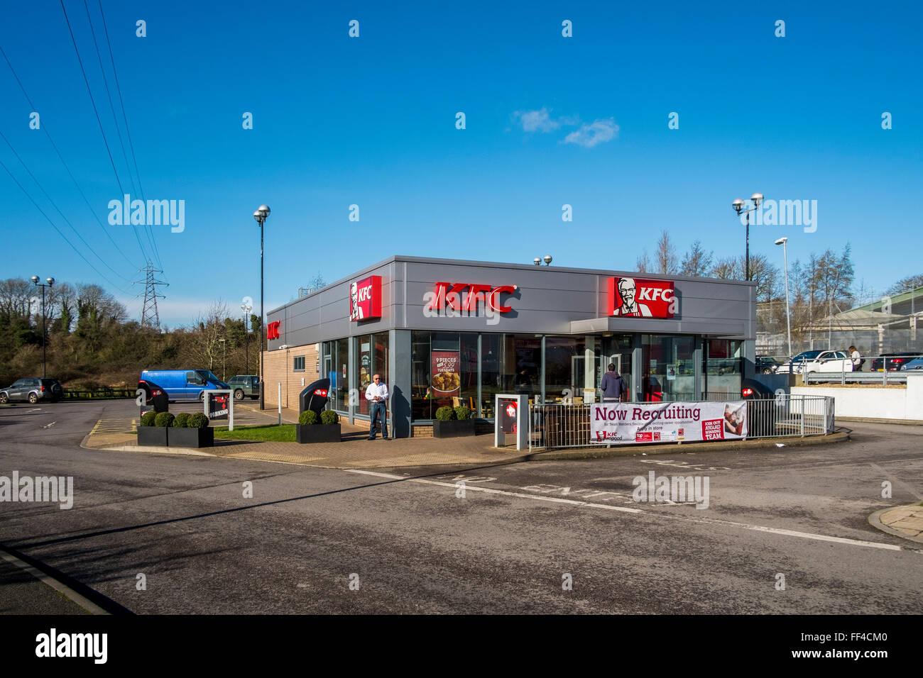 KFC Enham Arch Retail Park, Andover, Hampshire - Stock Image