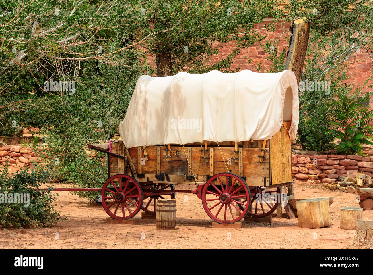 Nice old covered wagon in the old West, Arizona - Stock Image