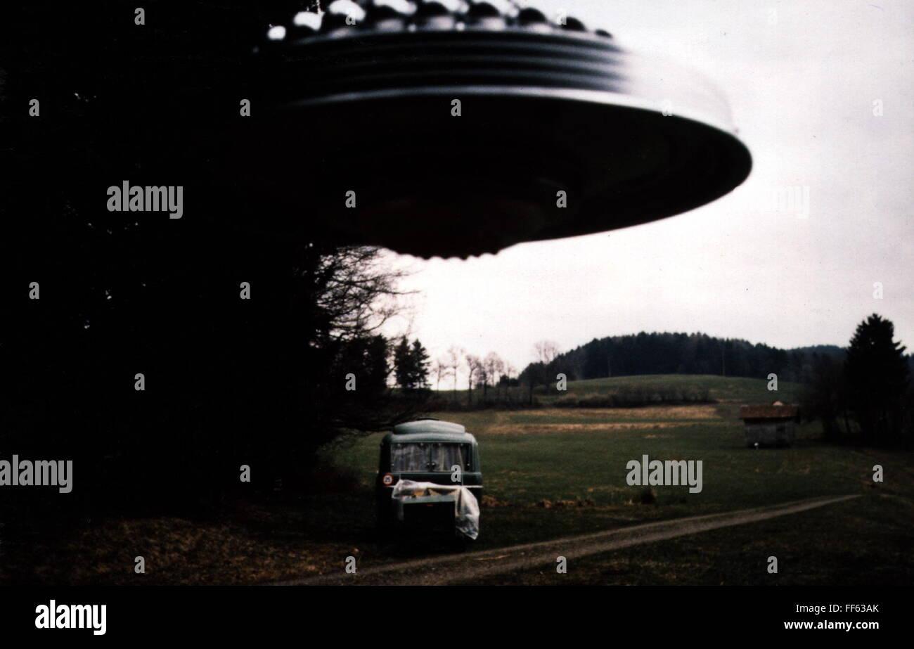 astronautics, unidentified flying object (UFO), flying ufo, Duerstelen, Switzerland, 26.3.1981, Additional-Rights - Stock Image