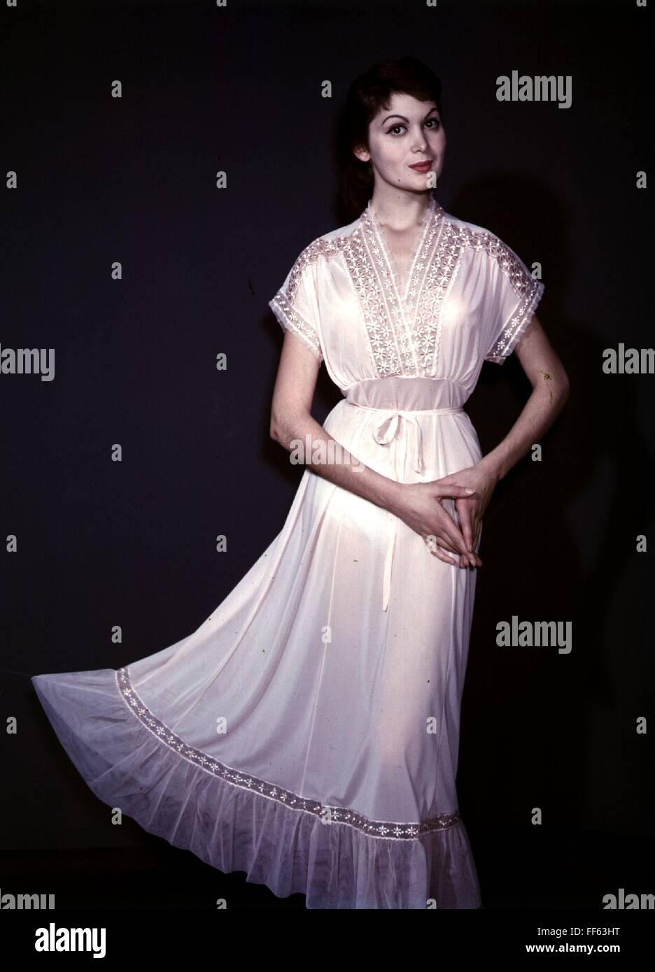 fashion, 1950s, ladies' fashion, woman wearing white nightshirt, - Stock Image
