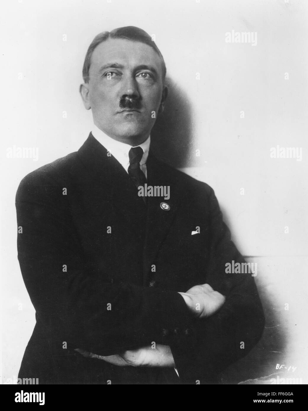 adolf hitler 1889 1945 essay Hitler, adolf, 1889-1945 known as der führer (the leader) 1889-1945 german dictator hitler was born in braunau in upper austria, the son of a minor customs official he was educated at the secondary schools of linz and steyr, and destined by his father for the civil service.