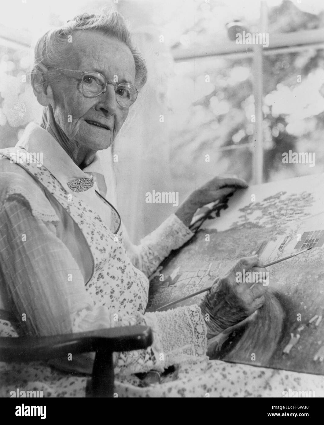 ANNA MARY ROBERTSON /n(1860-1961). Known as Grandma Moses. American Stock  Photo - Alamy