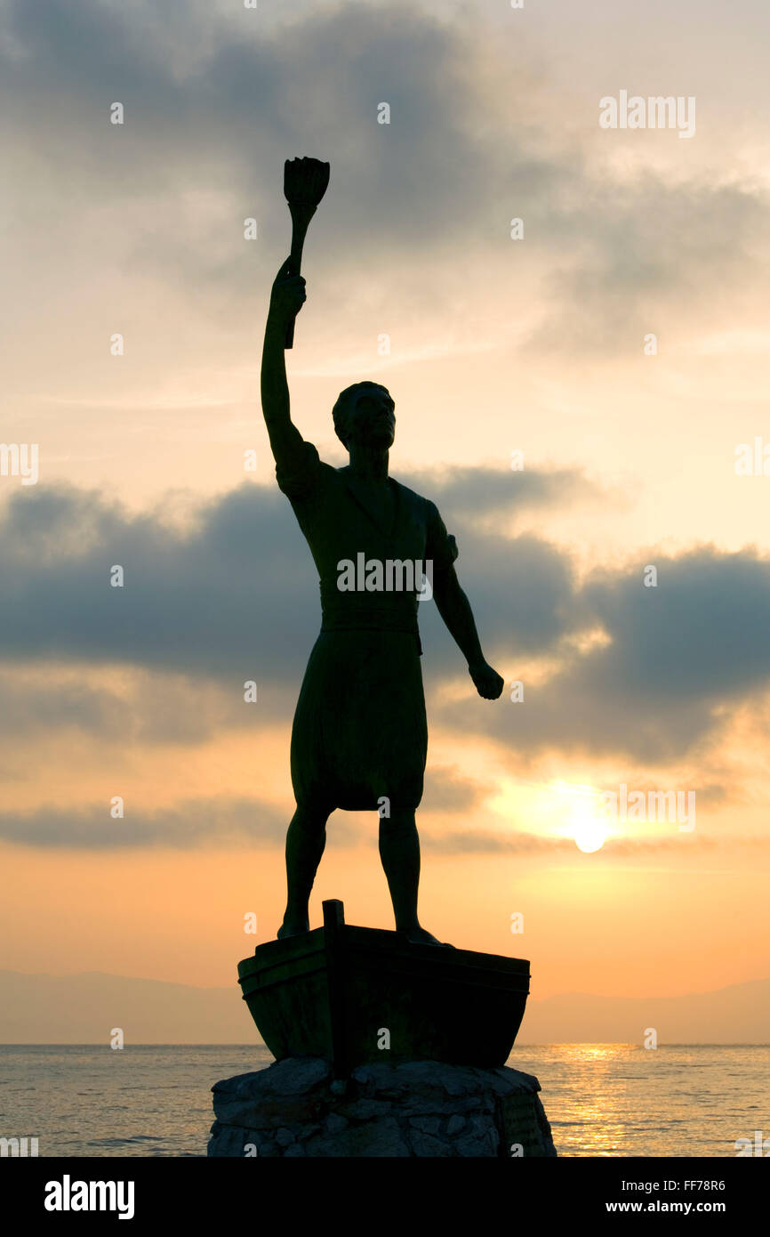 Gaios, Paxos, Ionian Islands, Greece. Statue of Giorgos Anemogiannis, Paxiot hero of the Greek War of Independence, - Stock Image
