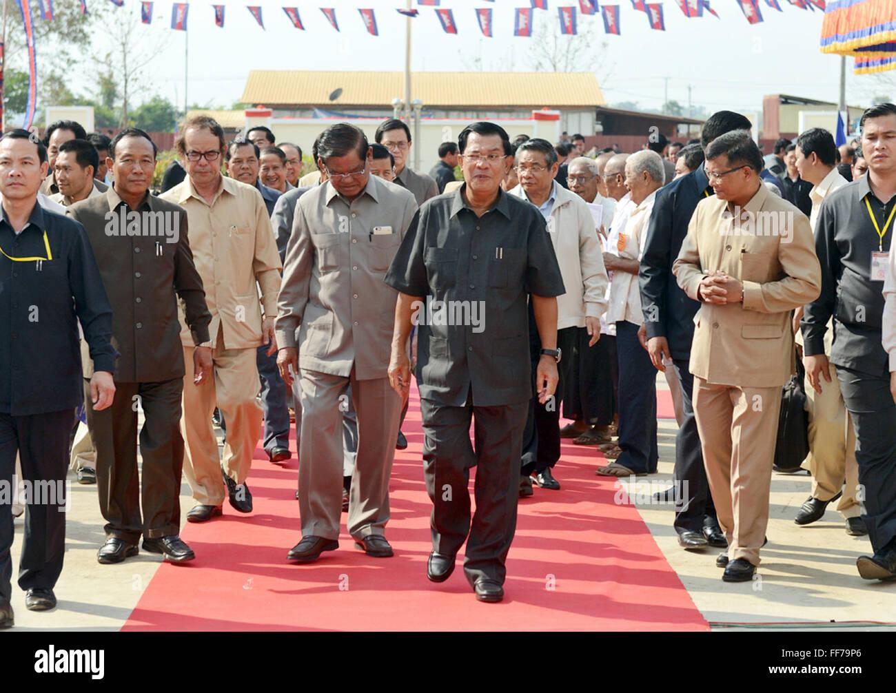 Phnom Penh, Cambodia. 11th Feb, 2016. Cambodian Prime Minister Hun Sen (C, front) attends the inauguration ceremony Stock Photo
