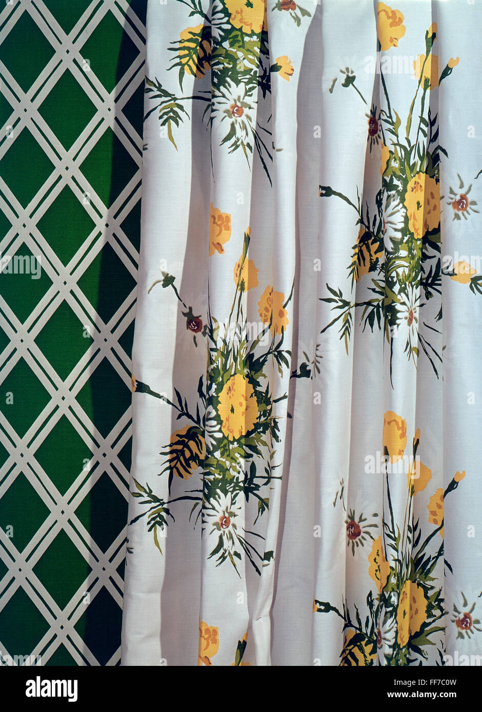 furnishings, curtain with floral pattern in front of wallpaper with rhomb pattern, 1970s, Additional-Rights-Clearences - Stock Image