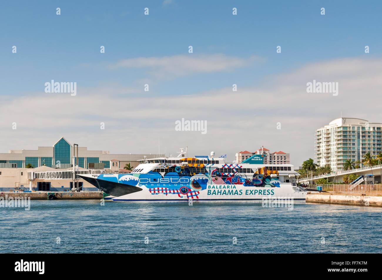 Passenger Ship Pinar del Rio of the Balearia Bahamas Express - Stock Image