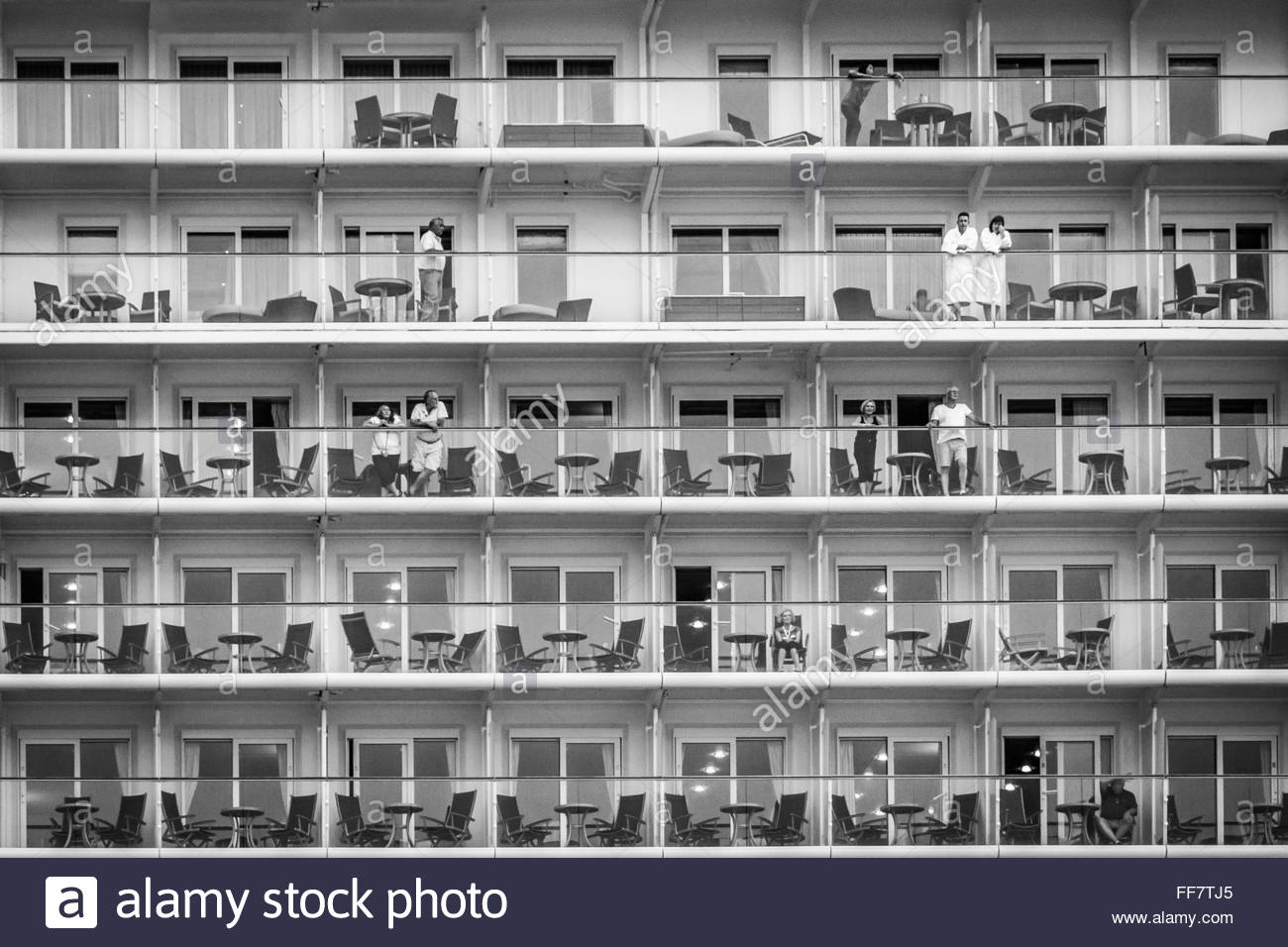 Cruise Ship Black And White Stock Photos Amp Images Alamy