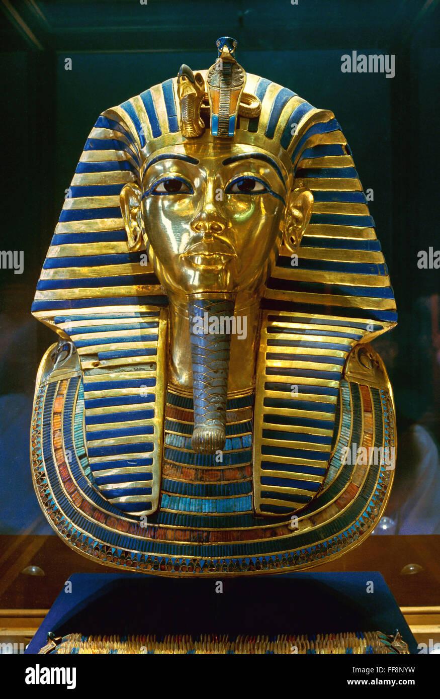 The funerary Mask of Tutankhamun, 14th century BC, Egyptian Museum of Antiquities, Cairo, Egypt, Africa - Stock Image