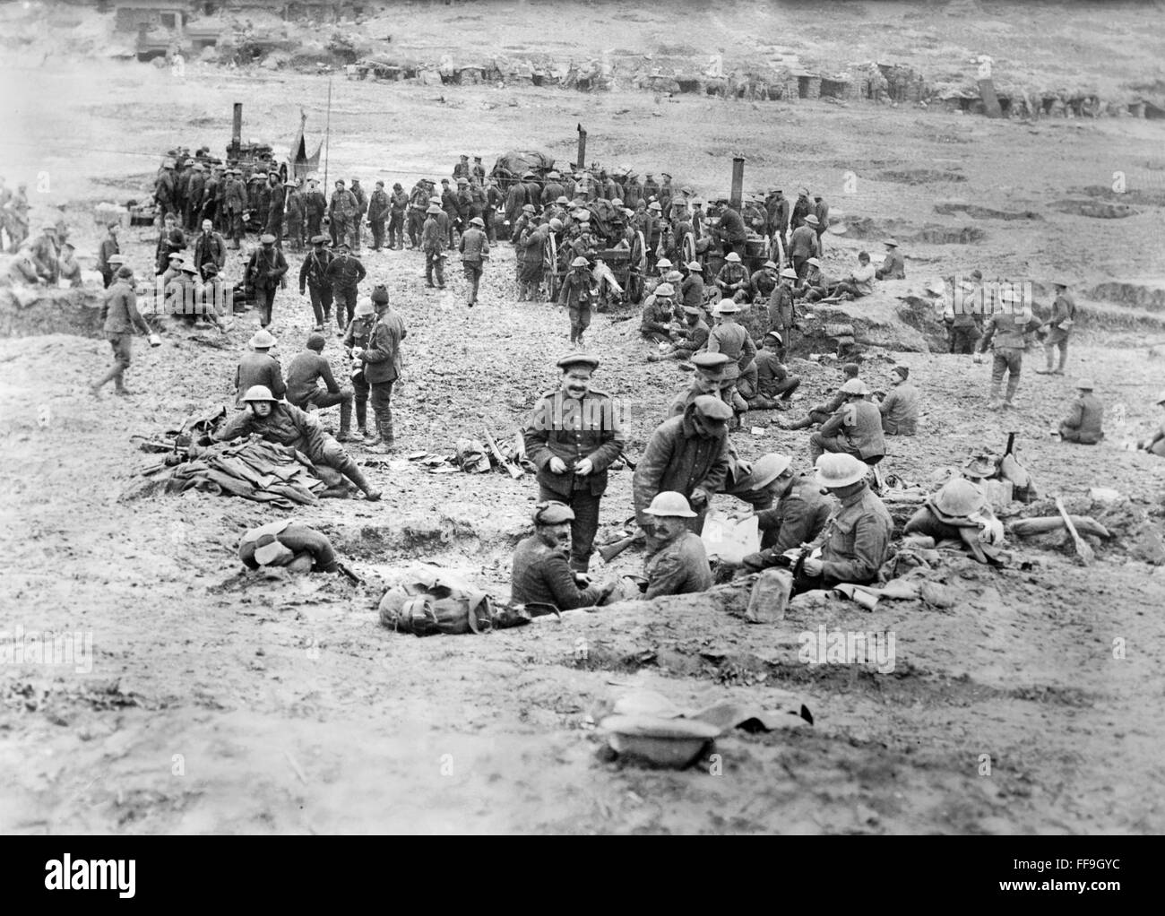 British troops at field kitchens and dug-outs in 'Sausage Valley,' Somme River, France, during World War - Stock Image