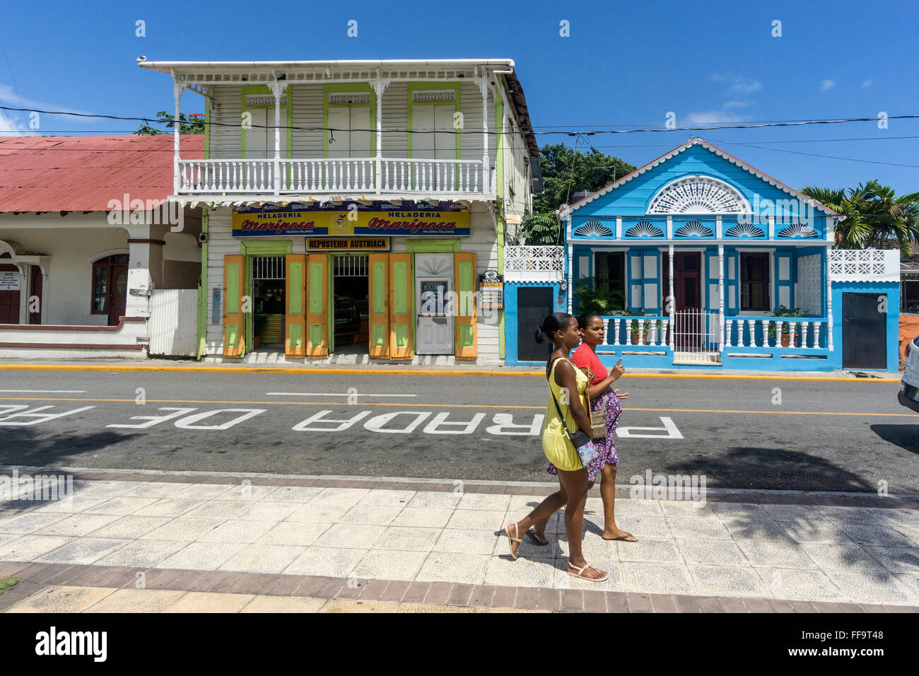Typical local houses in the old town puerto plata north for Poto planta