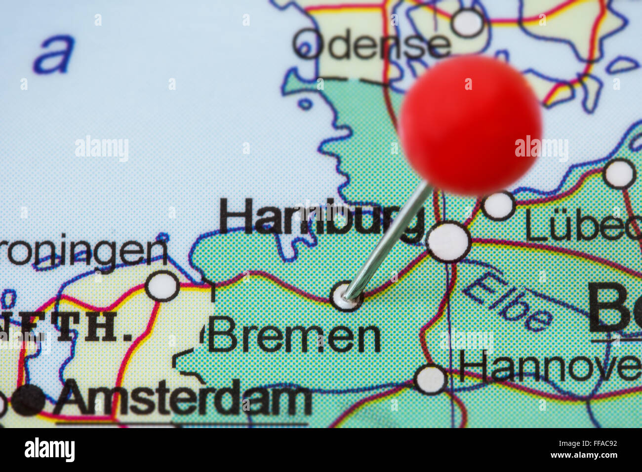 Close-up of a red pushpin in a map of Bremen, Germany Stock ...