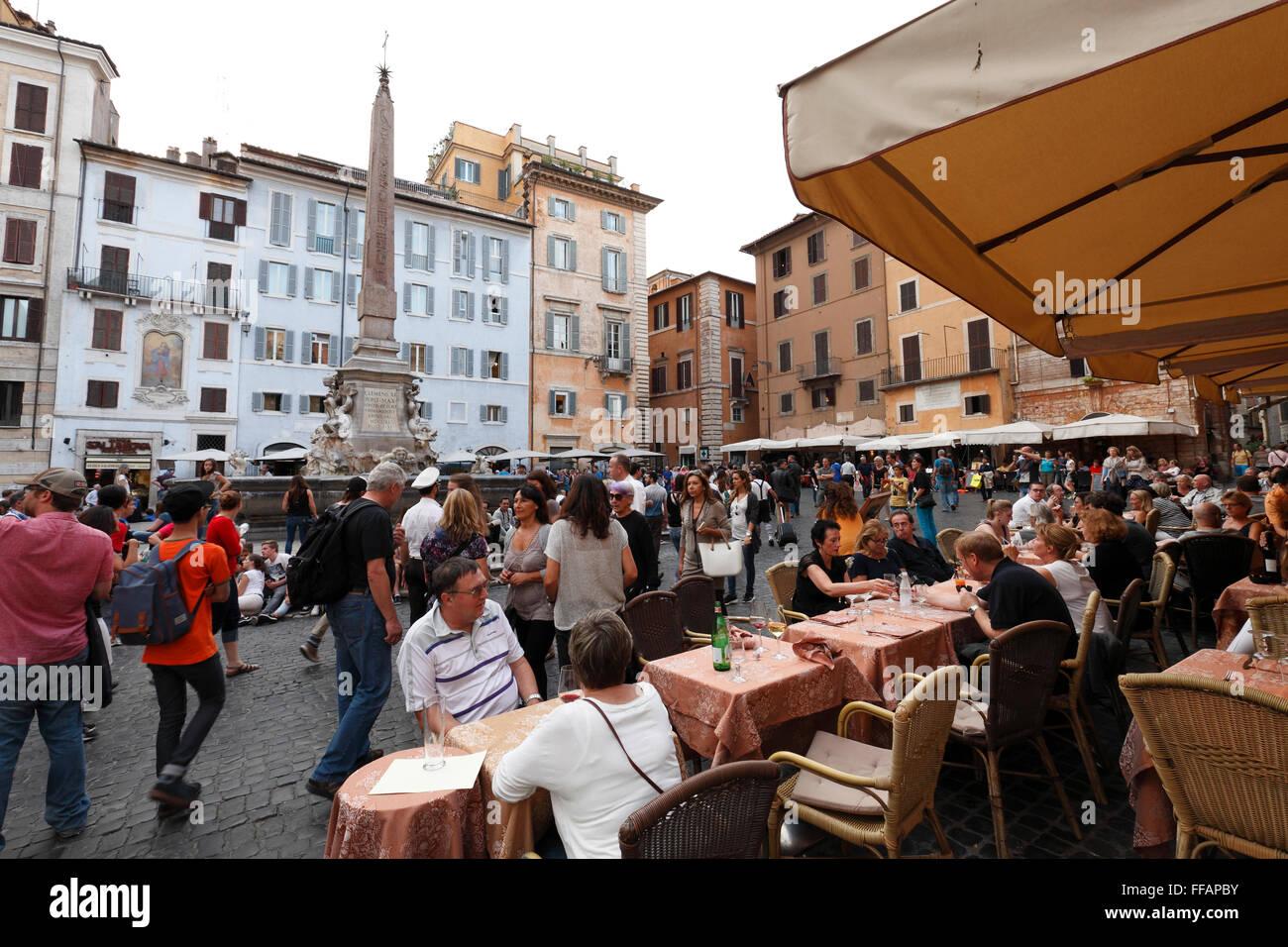 restaurants on Piazza della Rotonda, Rome, Italy - Stock Image