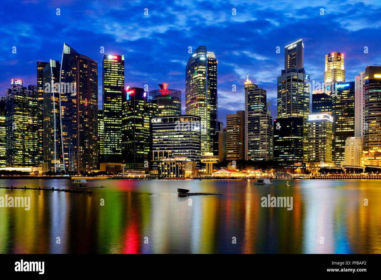 View of downtown core from the Marina Bay, Singapore - Stock Image