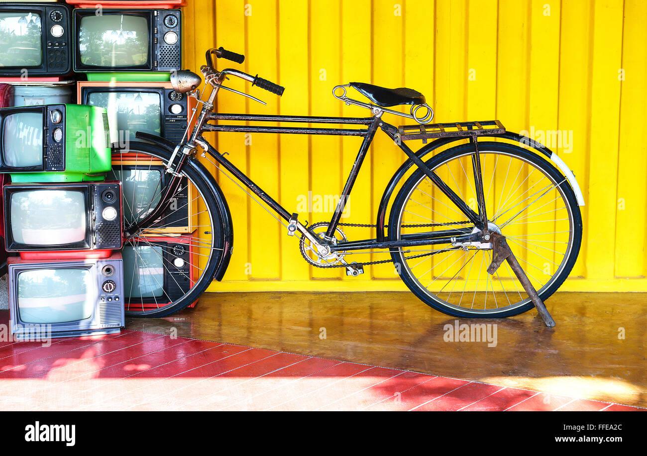 Yellow Wall Bicycle Cycling Cycle Stock Photos & Yellow Wall Bicycle ...
