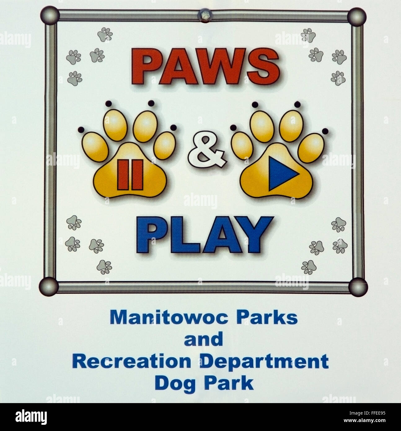 Paws and Play Dog Park sign Manitowoc Wisconsin - Stock Image