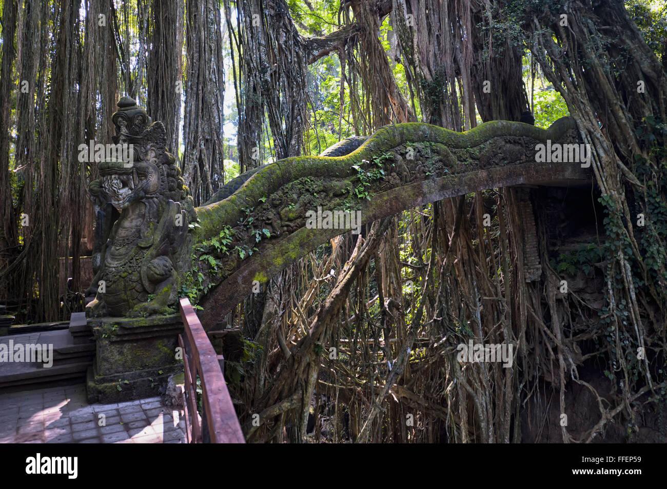 Stone Bridge, Sacred Monkey Forest, Ubud, Bali, Indonesia - Stock Image