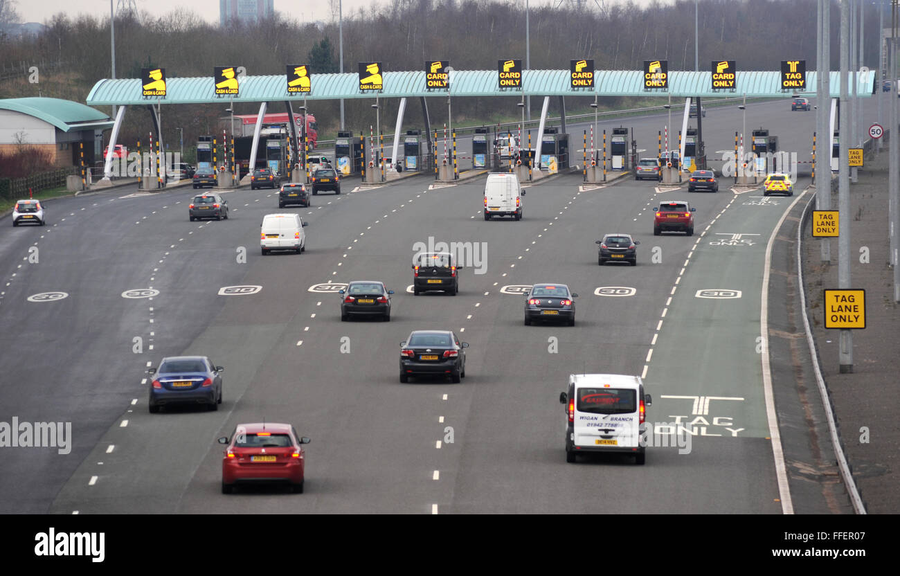 Great Wyrley, Staffordshire, UK. 12th February, 2016. Toll Booths and traffic pictured today on the M6 Toll road - Stock Image