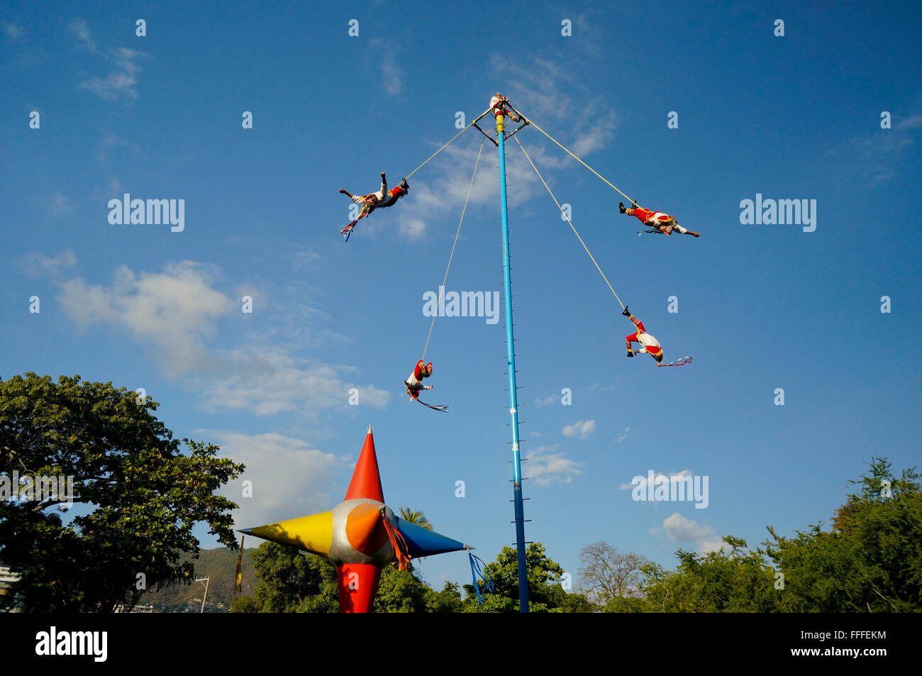 Voladores of Papantla perform in Papagayo Park in Acapulco, Mexico - Stock Image