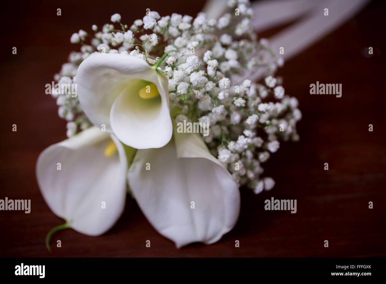 White calla lily flower bouquet stock photo 95614251 alamy white calla lily flower bouquet izmirmasajfo