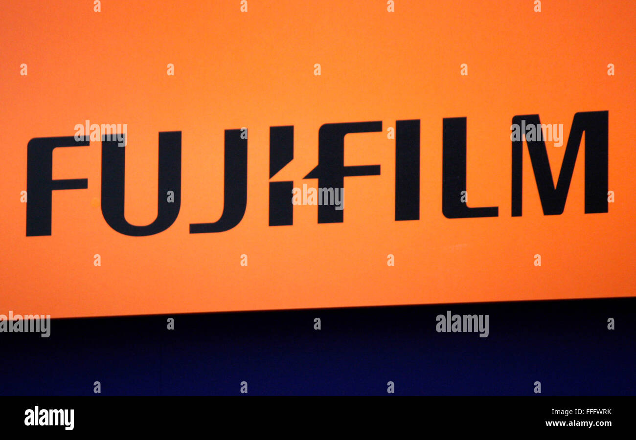 Markenname: 'Fujifilm', Dezember 2013, Berlin. - Stock Image