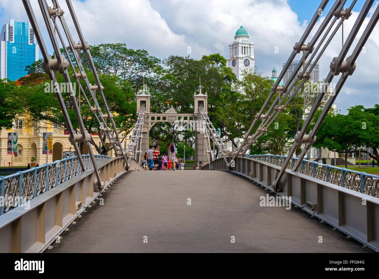 Cavenagh Bridge and Cultural District, Singapore - Stock Image