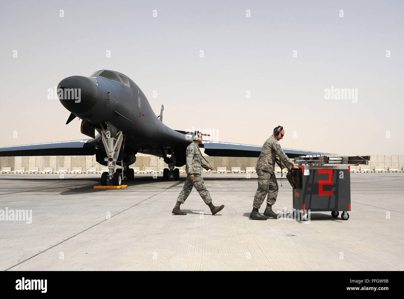 Airman 1st Class Bradley Skelton, right, and Staff Sgt. Marcus Smith, 9th Expeditionary Aircraft Maintenance Unit - Stock Image