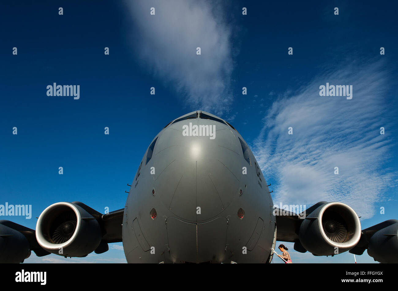OR-7 Sitkei Adrienn, a diplomatic clearance specialist with the Hungarian Air Force, boards a C-17 Globemaster III - Stock Image