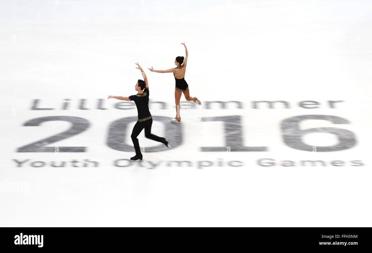 Hamar, Norway. 13th Feb, 2016. Irma Caldara (R) and Edoardo Caputo of Italy compete during the Pairs Short Program - Stock Image