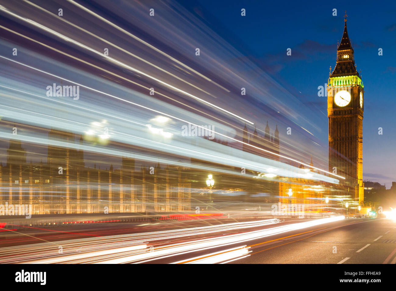 Traffic lines in front of Big Ben, London, England - Stock Image