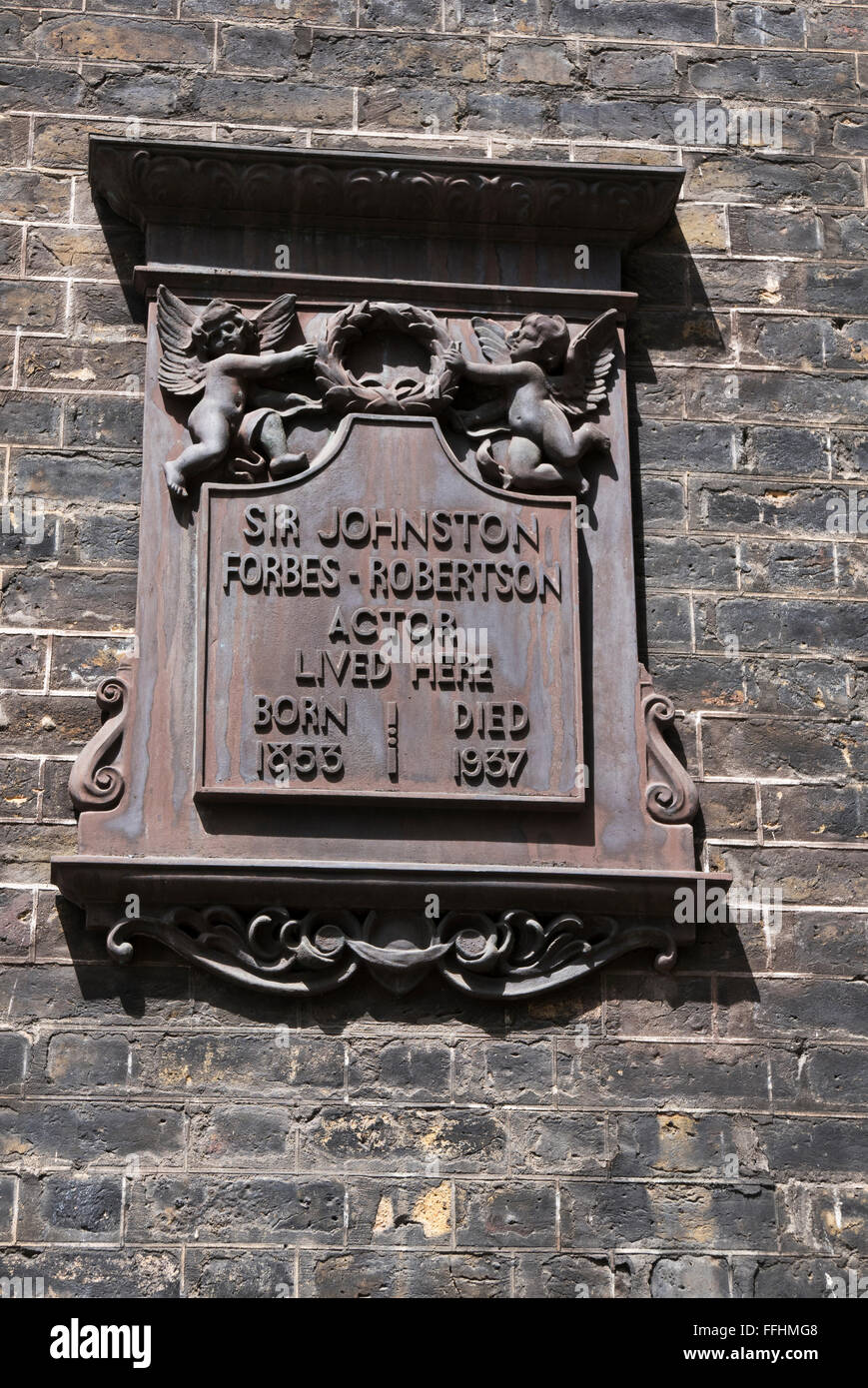 A commemorative plaque for British actor Johnston Forbes-Robertson, London, United Kingdom. - Stock Image