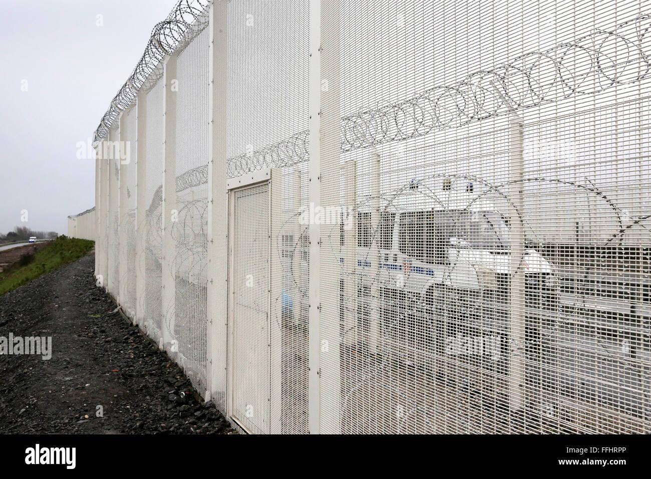 Refugee Fence Stock Photos & Refugee Fence Stock Images - Alamy